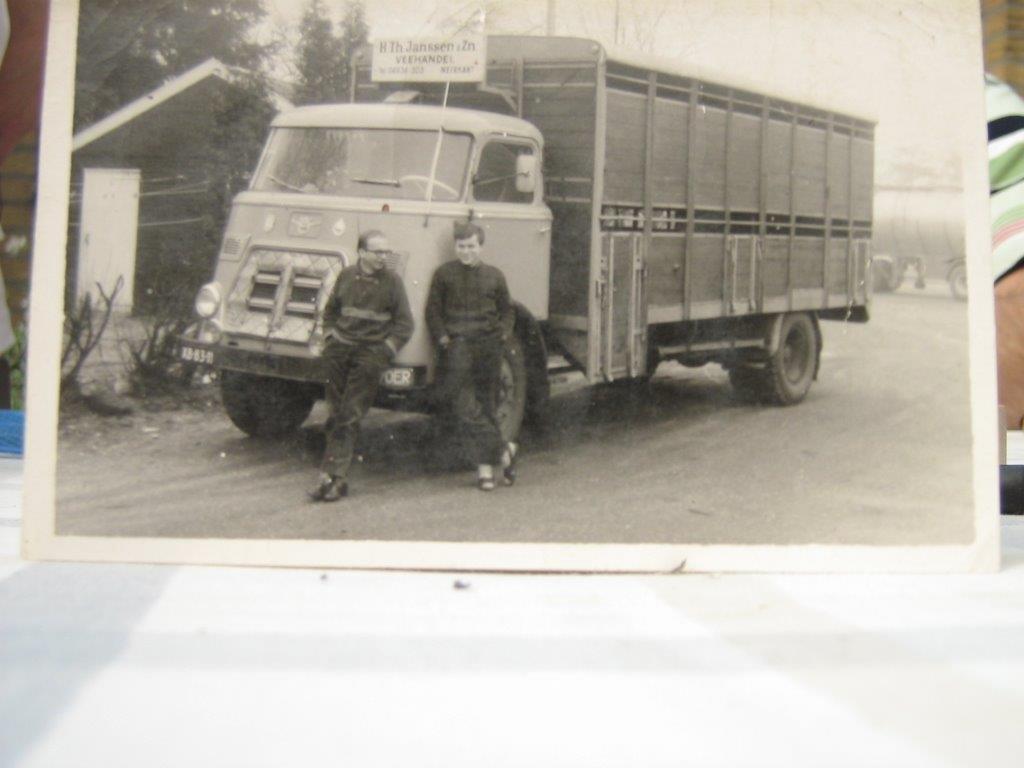DAF 120 PK Diesel met Knapen veeopbouw